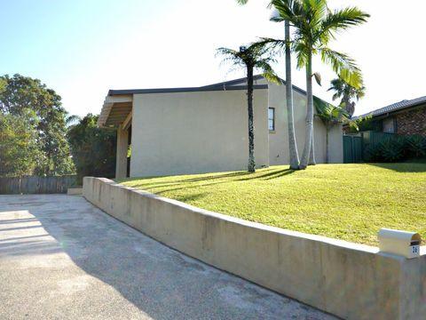 Coffs Harbour, 36 Taloumbi Road