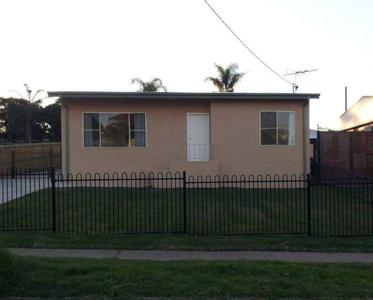 Near new 4 bedroom home - Lalor Park