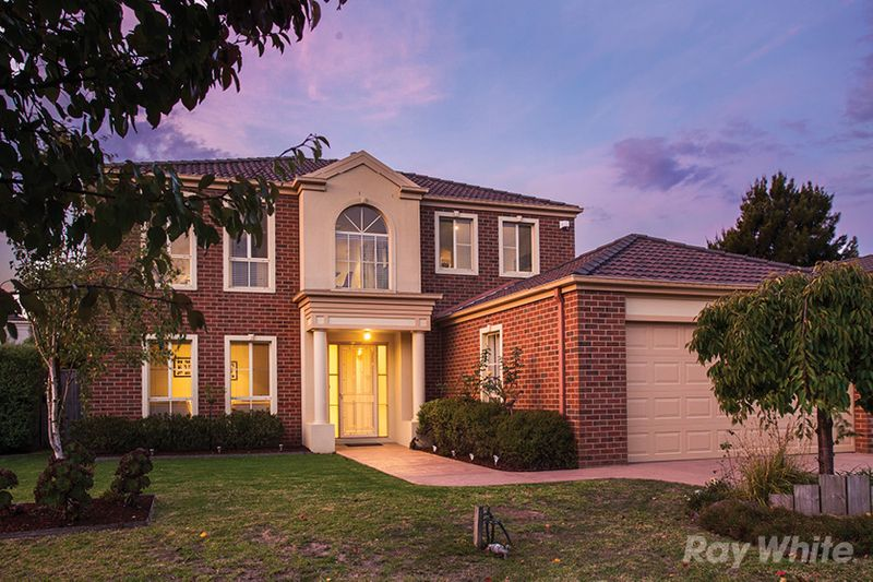 IMPRESSIVE ENTERTAINER IN LIFESTYLE CUL-DE-SAC - Ferntree Gully