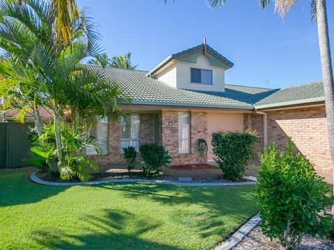 Coombabah, 23/284 Oxley Drive