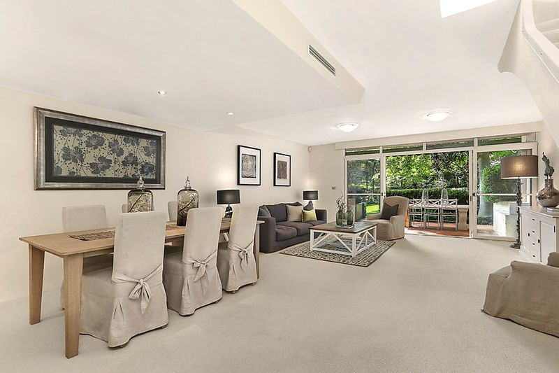 Idyllic Architectural Townhome In Exclusive Address - Woollahra