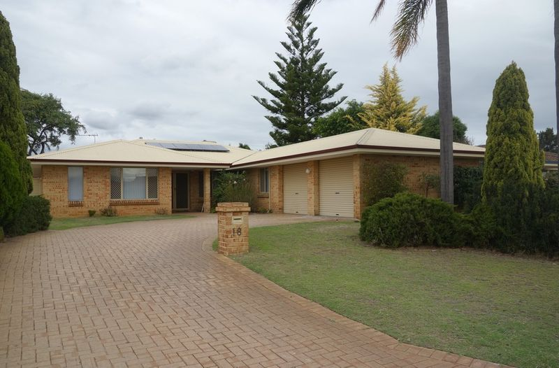 WALK TO FOREST CRESCENT PREIMARY SCHOOL!! - APPLICATIONS ACCEPTED AT HOME OPENS - Thornlie