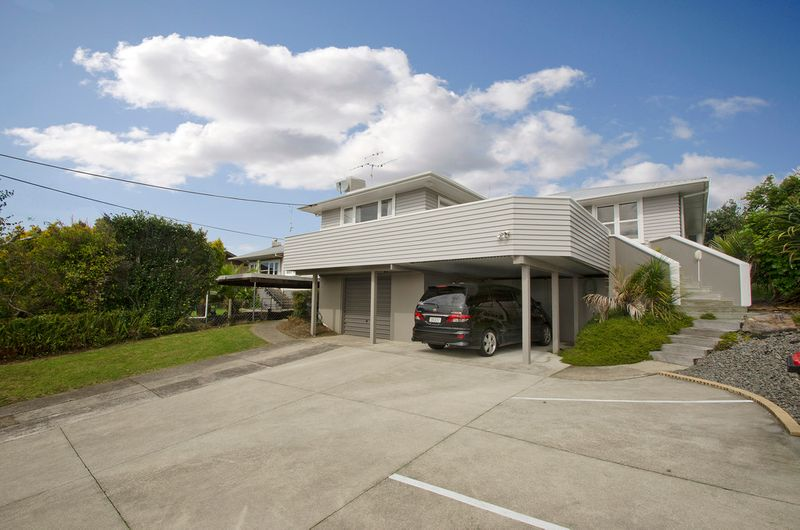 INVESTORS LOOK AT THIS! - Parkvale