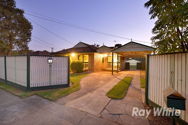 An Immaculate 3 Bedroom Home & Semi Contained Bungalow - Ferntree Gully
