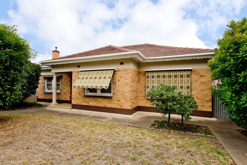 AFFORDABLE ENTRY INTO THIS OUTSTANDING LOCALE! NEAT RESIDENCE WITH DETACHED GRANNY FLAT! - Lockleys