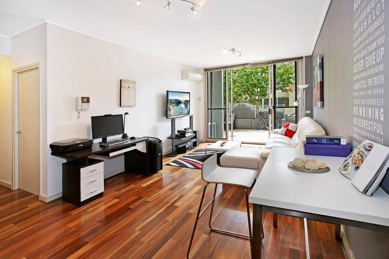 Ultra Modern Courtyard Apartment - Wentworth Point