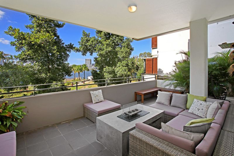 Your Private Waterside Retreat - Wentworth Point