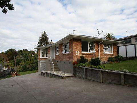 Otumoetai, 31 Glenn Terrace