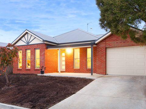 Ballarat East, 24 Ford Street
