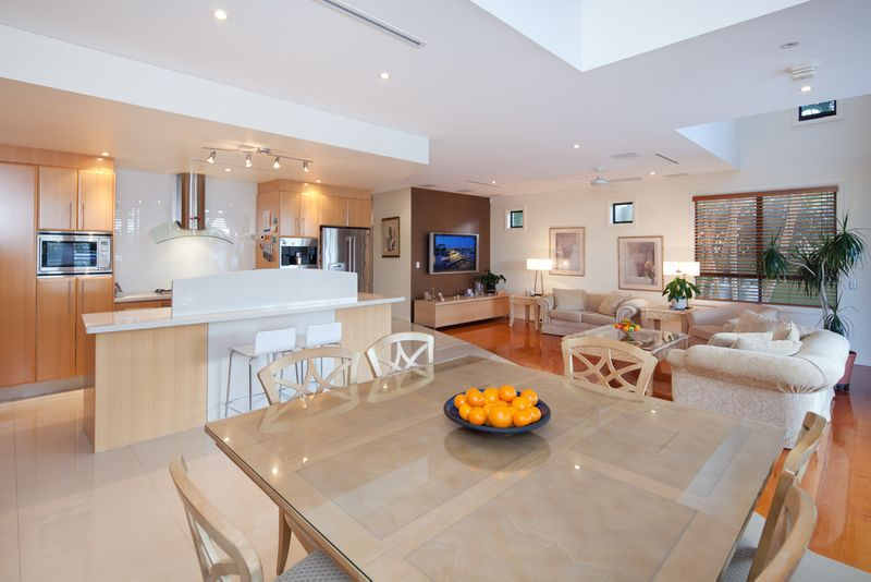 Inner City Living - North To Water - Will Be Sold! - Surfers Paradise