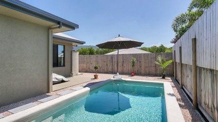 Large, Modern  4 Bedroom home with Pool - Kewarra Beach