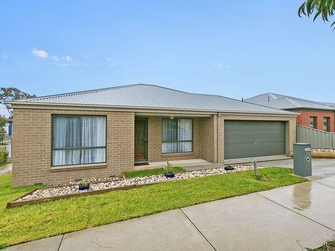 Kangaroo Flat, 28 Bronze Drive