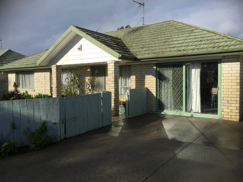 Mangere East, 3/26 Tennessee Avenue