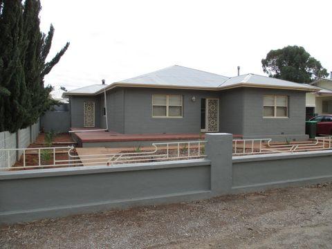 Broken Hill, 58 Cummins Street