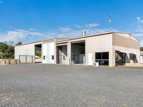 Withcott, 8575 Warrego Highway