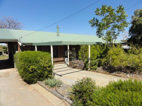 Broken Hill, 401 Wyman Lane