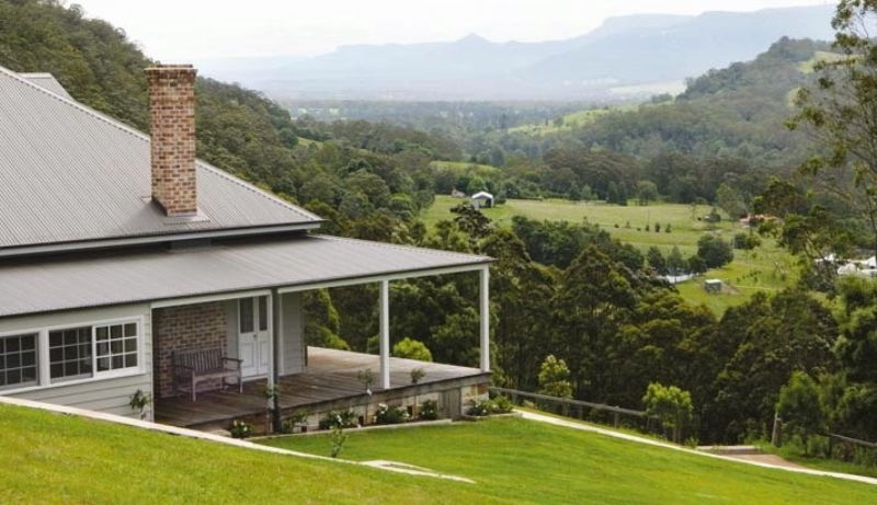 Acreage semi rural sold berry nsw for Classic home designs australia