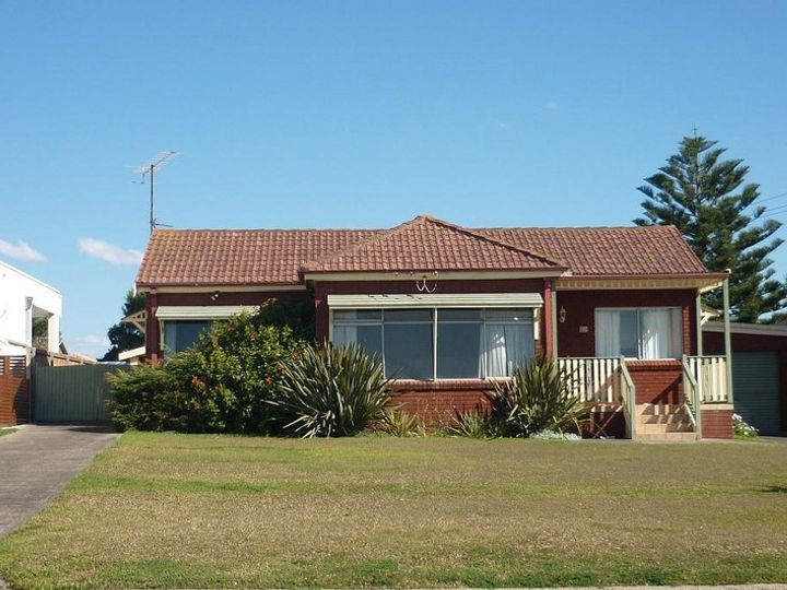 66 Headland Parade, Barrack Point, NSW