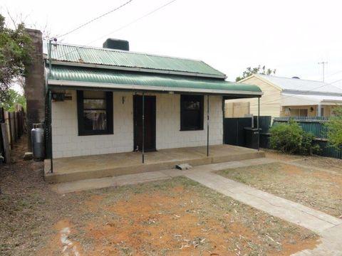 Broken Hill, 674 Beryl Street