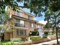 Immaculately presented 3 bedroom garden apartment - Kensington