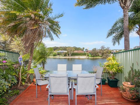 Burleigh Waters, 9/22 Dunlin Drive