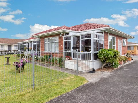 Papatoetoe, 52 Central Avenue