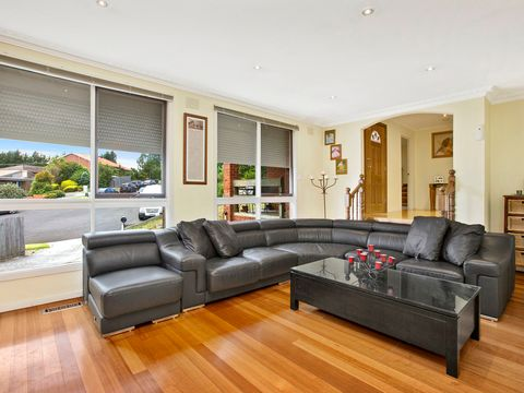 Donvale, 4 Drewe Close