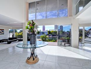 Prestigious Waterfront Home - Surfers Paradise