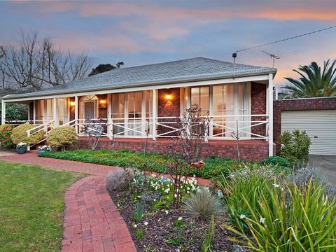 Mornington, 8 Townsend Lane