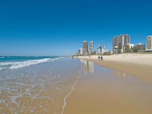 Opposite One Of The Most Famous And Beautiful Beaches In The World! - Surfers Paradise