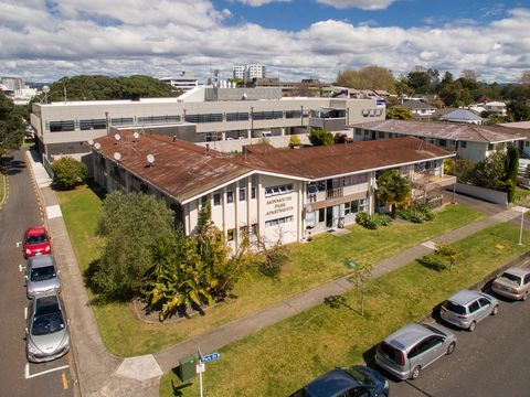 Tauranga Central, 6 Cliff Road