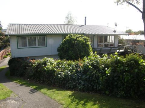 Taupo, 33 Sunset Street