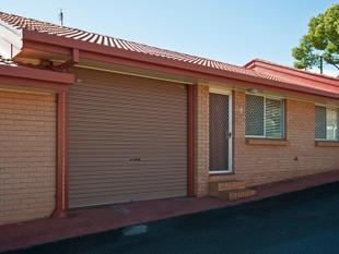 FRESH AND RECENTLY RENOVATED - GREAT LOCATION CLOSE TO CBD - South Toowoomba