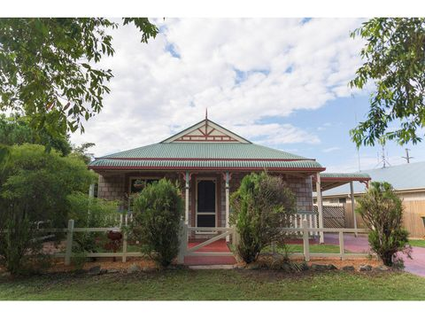 Sippy Downs, 7 Chesterton Crescent