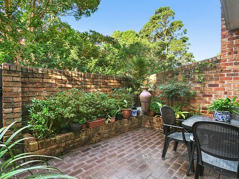 Waverton, 2/23 Crows Nest Road